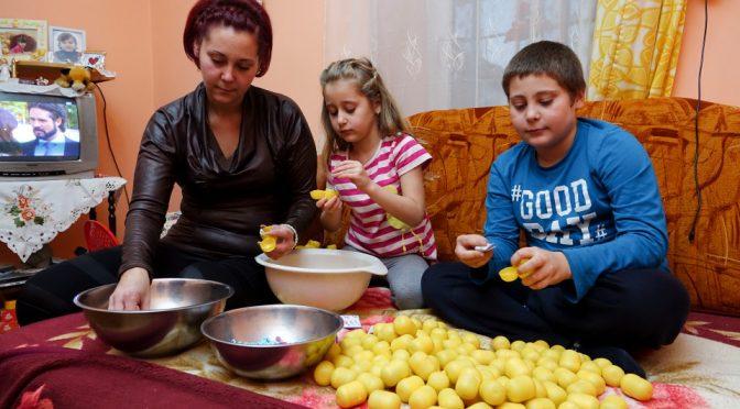Sorpresa Kinder: prodotte in Romania da bambini e senza controlli igienici – VIDEO