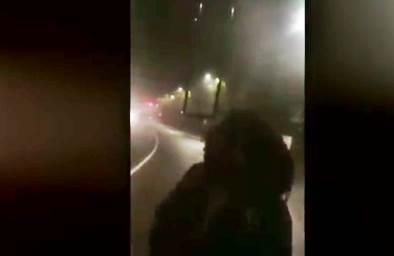 MILANO: AFRICANO BLOCCA BUS, PASSEGGERI IN OSTAGGIO – VIDEO