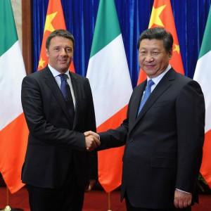 Renzi incontra dittatore cinese: a cittadini vietato rientrare a casa fino a sera