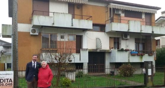 COLLETTA TRA FAMIGLIE PER COMPRARE CASE DESTINATE AI FINTI PROFUGHI