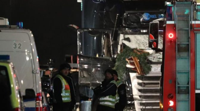 """Mercatini di Natale invasi da stand islamici: """"Convertitevi"""" – VIDEO"""