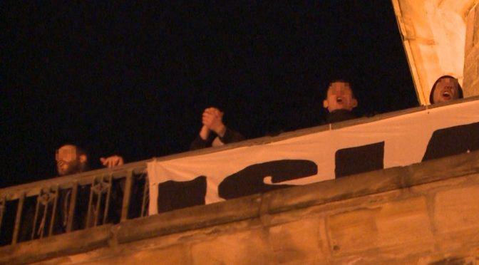 "Germania: gridano ""Germania ai Tedeschi"" da campanile, arrestati"