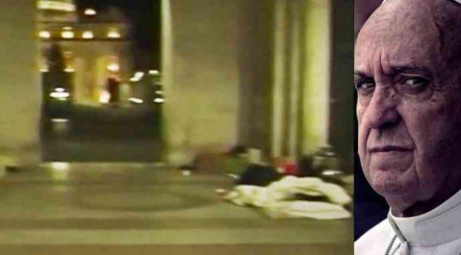 Senzatetto muore di freddo, vescovo offre 25 appartamenti a finti profughi