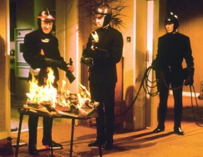 """Poliziotti denunciano: """"Costretti a perdere tempo con fotomontaggi Boldrini"""""""