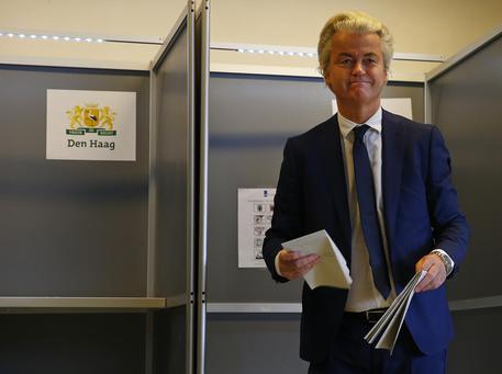 62% olandesi vuole chiudere le frontiere all'immigrazione