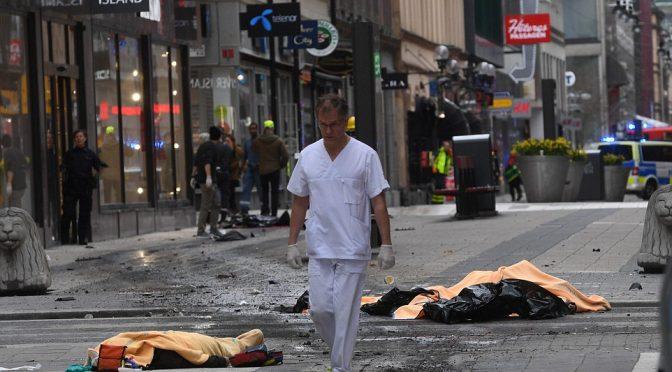STOCCOLMA: E' STRAGE, ARRESTATO 1 TERRORISTA – VIDEO