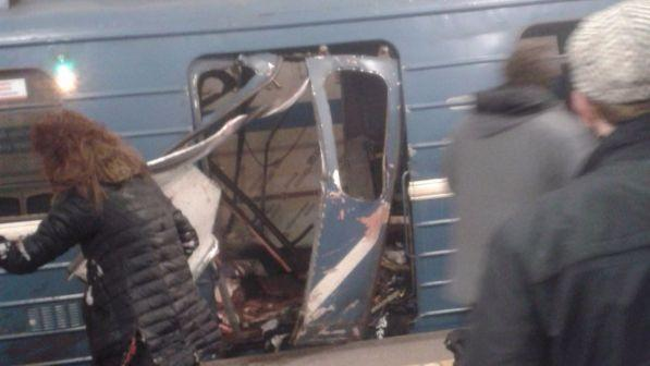 RUSSIA: ESPLOSIONE IN METRO, 10 MORTI E 50 FERITI – VIDEO DIRETTA