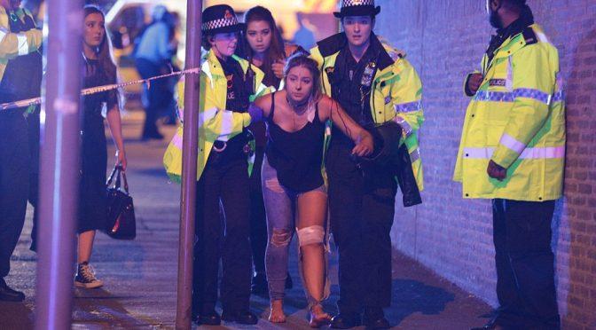 Manchester, esplosioni a concerto fanno morti e feriti – VIDEO