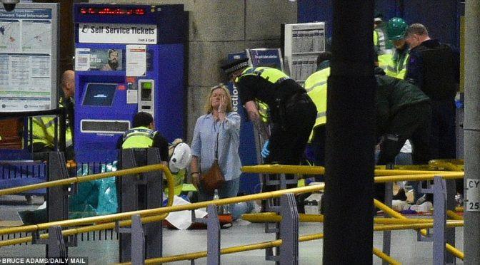 """MANCHESTER: DECINE DI MORTI, PER POLIZIA """"ATTACCO TERRORISTICO"""" – DIRETTA"""
