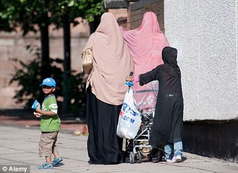 Londra, boom di bimbi morti per troppi matrimoni tra parenti di primo grado