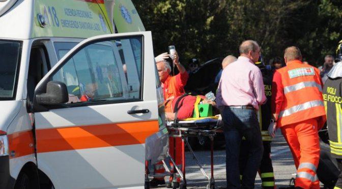 Vanno a soccorrere zingaro, ambulanza assaltata in campo nomadi