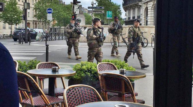 Effetto Islam: Francia militarizza mercatini di Natale