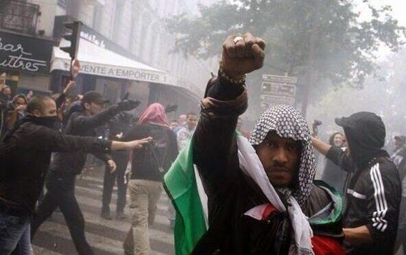 Islamico preparava strage, bloccato in Francia: era pieno di bombe