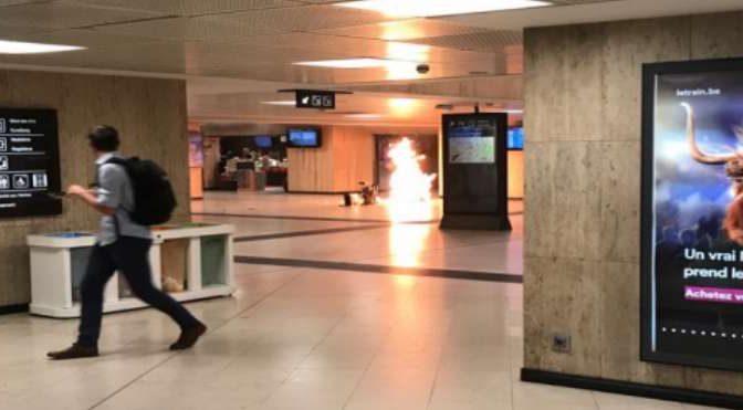 "BRUXELLES, E' ATTACCO ISLAMICO: KAMIKAZE HA URLATO ""ALLAHU AKBAR"""
