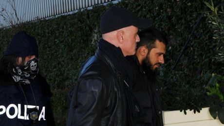 Alghero, retata al Comune che ragala campo di calcio ai Rom e a Cuccureddu