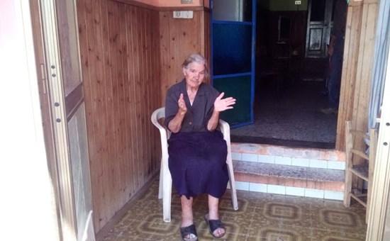 Nonna Eva, 91 anni e cieca: via la corrente elettrica, è morosa