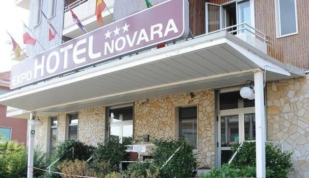 Arrivano in profughi in hotel dei Cinesi, una notte prende fuoco