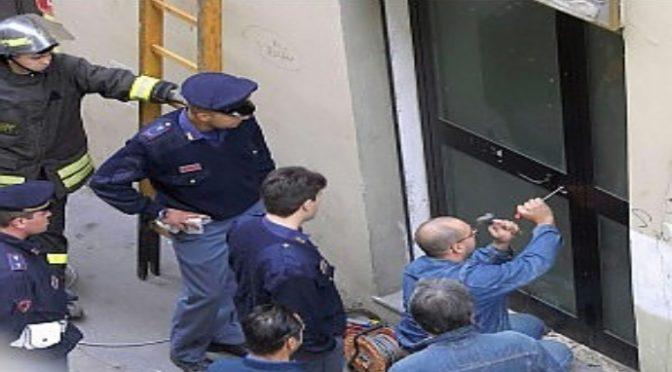 Dopo bufera mediatica blitz per liberare dai migranti la casa di Rosa