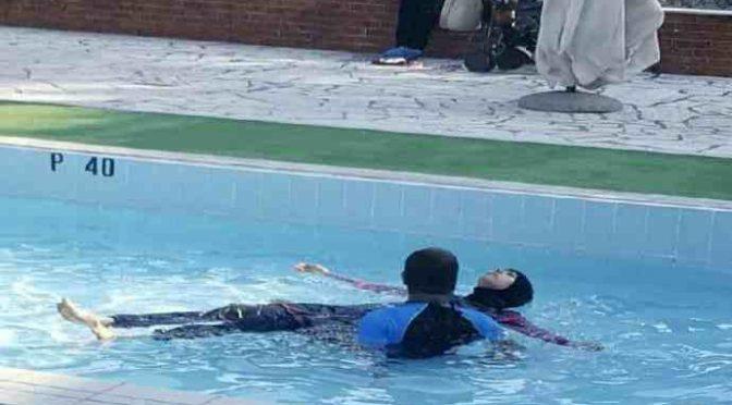 Padova, Islamica esige di fare il bagno in burkini, rivolta in piscina