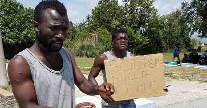 Comuni leghisti danno il via: multe a chi ospita i profughi