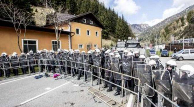 Brennero, check point austriaco anti-immigrati lungo ferrovia