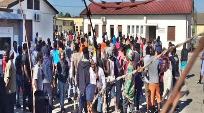 Padova, vogliono sparpagliare 790 clandestini in tutta la provincia