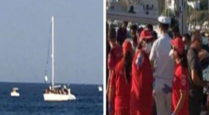Clandestini arrivano in barca a vela, crocerossine ad attenderli – FOTO