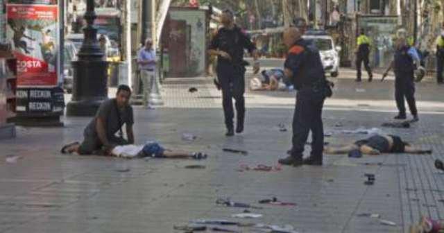 """Gentiloni vuole dare la Cittadinanza a chi ci uccide: """"Ius Soli"""""""