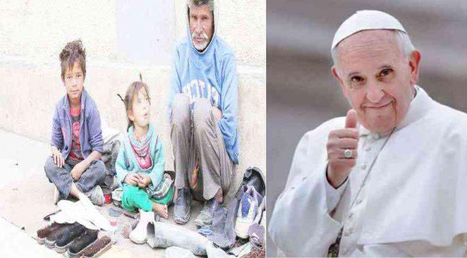 "Bergoglio espelle senzatetto da San Pietro: ""Andate in Italia"""