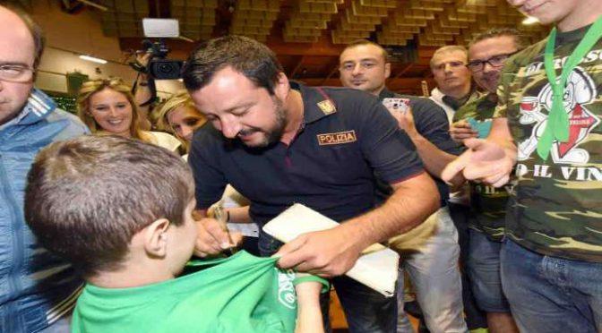 """Alla Festa dell'Unità spopola Salvini: """"Migranti? Mandiamoli a casa loro"""" – VIDEO"""