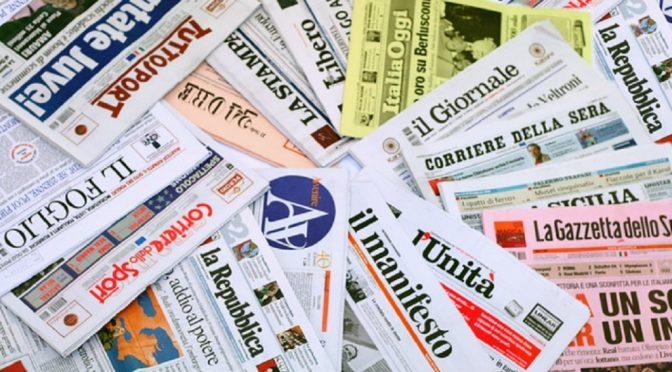 Italiani in fuga dai giornali, crollo lettori -20%