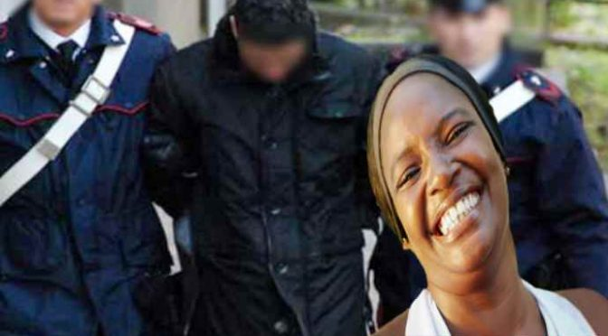 Vigile condannato per avere ammanettato risorsa senza biglietto