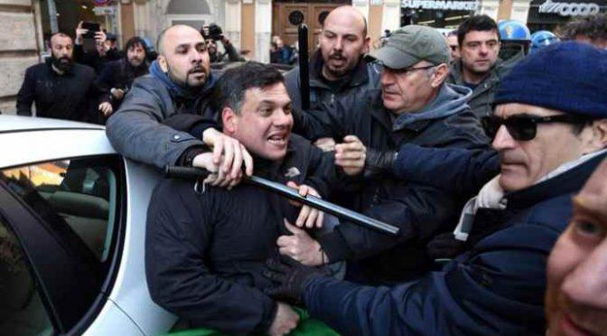 Roma: famiglia italiana sgomberata a manganellate per fare posto ad africani – VIDEO