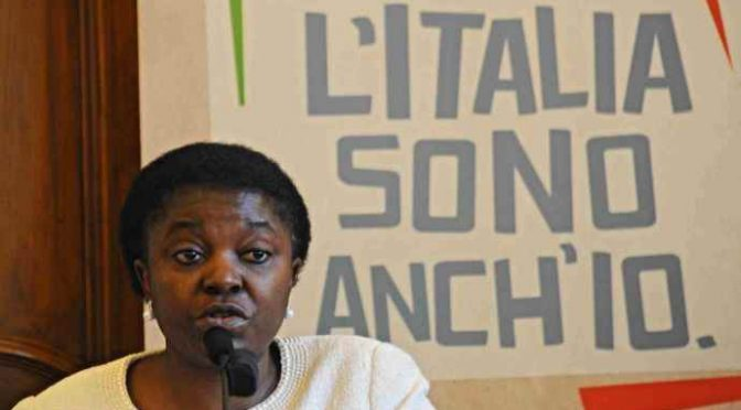 """Consigliere contro Kyenge: """"Vattene al tuo paese"""", linciaggio mediatico"""