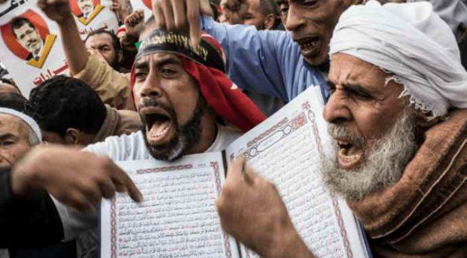 Sindaco musulmano cancella il Natale, ma poi…