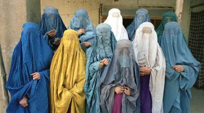 Islamico integrato, pugni alla sorella perché esce di casa