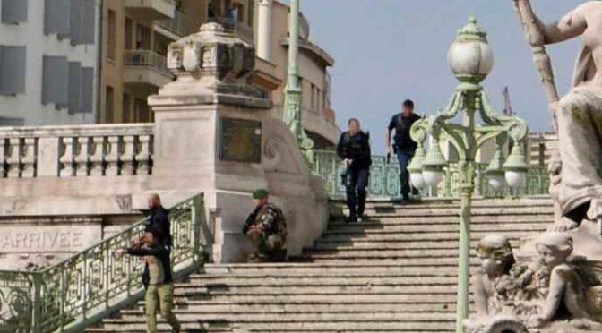 Marsiglia è zona di guerra: Islamico ha sgozzato ragazza senza pietà – VIDEO