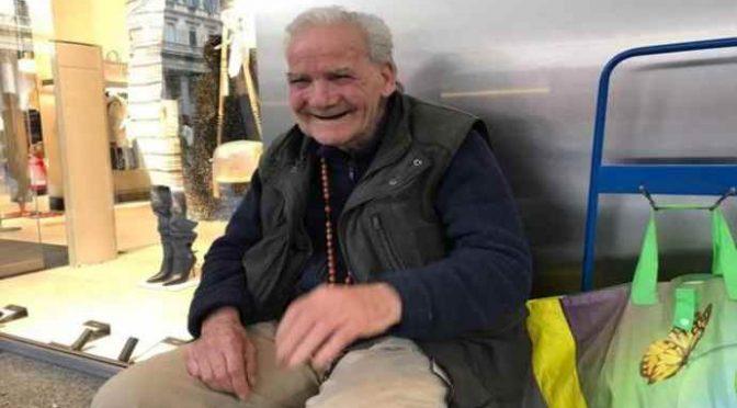 Italiano 94 enne costretto a chiedere elemosina: «La pensione va tutta in affitto»