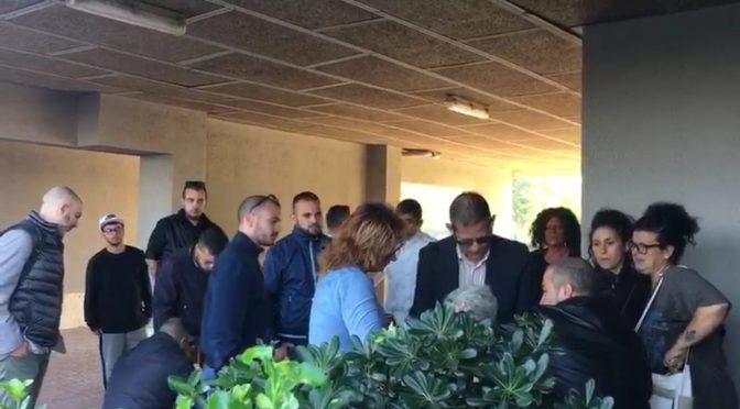 Roma: patrioti bloccano sfratto disabile da casa popolare