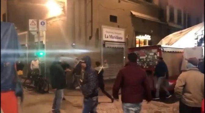 Boom scippi a Firenze, Prefetto se la prende con immigrati? No: «Troppi turisti»