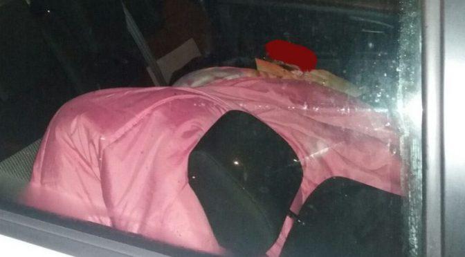 """Coppia con neonato vive in auto: """"Hanno detto che c'è posto solo per Immigrati"""""""