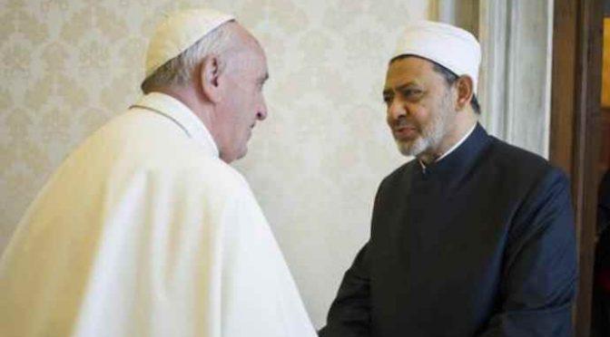 Egitto: cristiani costretti a recitare Corano per iscriversi a università
