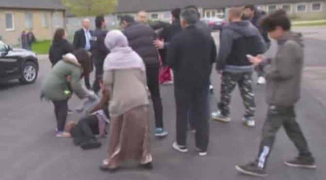 Ministro aggredito da profughi insoddisfatti – VIDEO