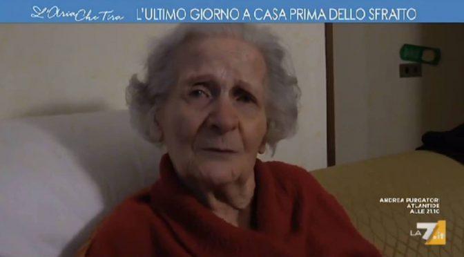 """Sfrattata a 94 anni per """"fare posto"""" – VIDEO"""