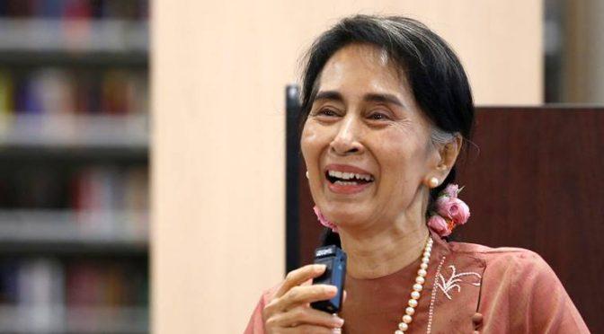 Oxford ritira riconoscimento a Suu Kyi perché ha espulso i Musulmani