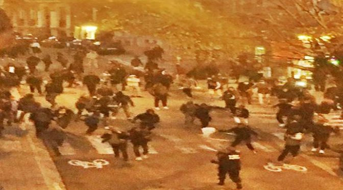GUERRIGLIA A BRUXELLES, GIOVANI AFROISLAMICI ATTACCANO E SACCHEGGIANO – TUTTI I VIDEO