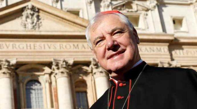 """Il cardinale avvisa: """"Con Bergoglio si rischia lo scisma nella Chiesa"""""""