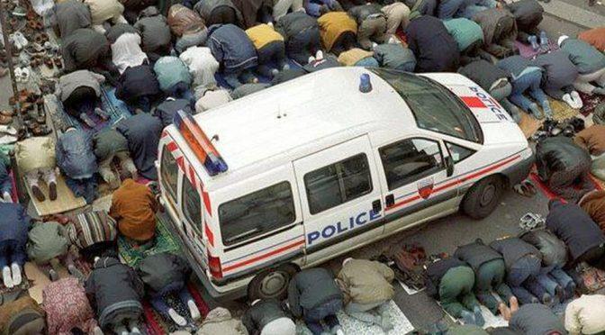 Francia: proibita preghiera islamica all'aperto, dopo scontri islamici-patrioti