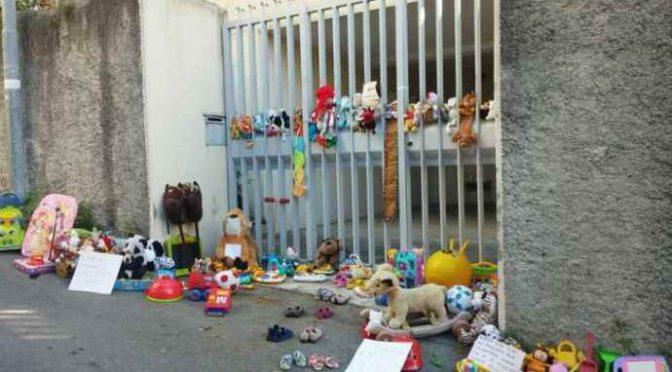 Genova, Curia: giocattoli in spazzatura pur di non donarli a bimbi italiani