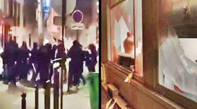 Parigi: Estremisti di sinistra impediscono marcia anti-Islam, assalto sede GI – VIDEO